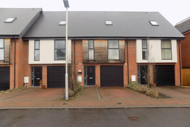 Thumbnail Town house to rent in Thatcham, Berkshire