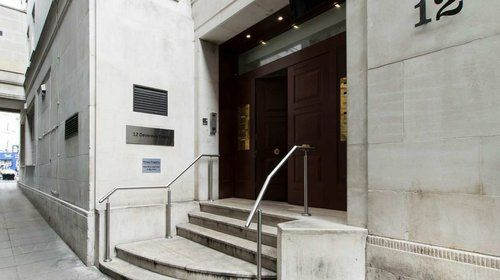 Thumbnail Office to let in Devereux Court, London