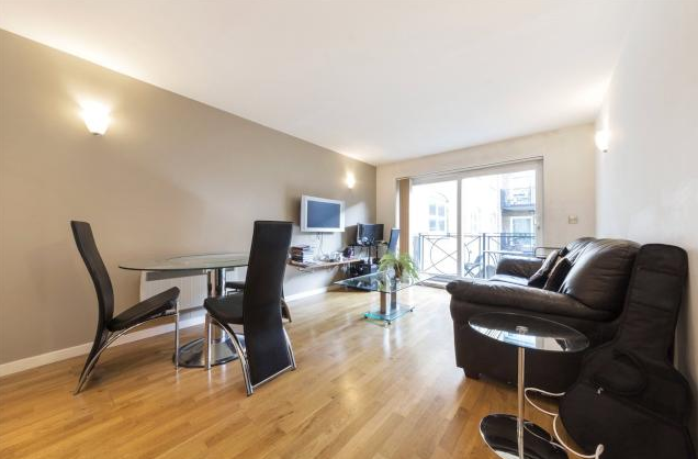 Thumbnail Terraced house to rent in Flat, The Grainstore, Docklands