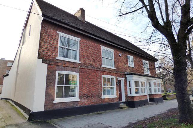 Thumbnail Flat to rent in Montpelier Mews, High Street South, Dunstable