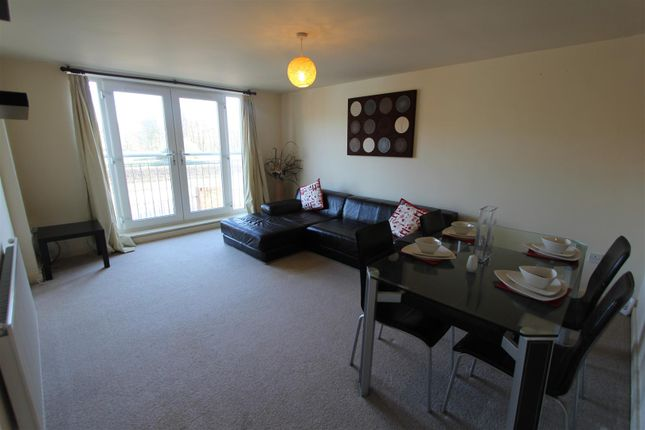 Thumbnail Flat to rent in Broadgate Lane, Horsforth, Leeds