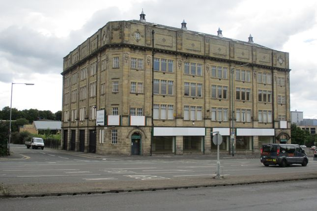 Retail premises to let in 186/192 Leeds Road, Bradford