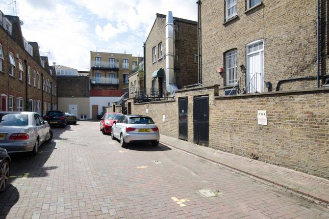 Parking/garage to rent in Barnard Mews, Clapham Junction