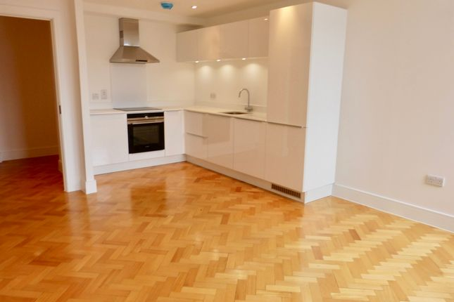 2 bed flat to rent in Friars House, Parkway, Chelmsford CM2