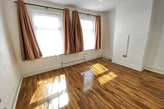 Thumbnail Property to rent in Monmouth Road, London