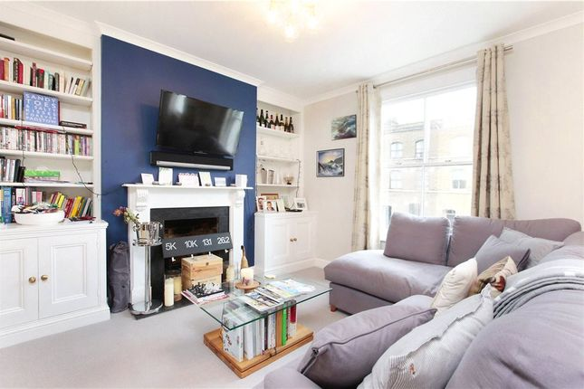 2 bed flat to rent in Lambourn Road, Clapham, London