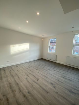 Thumbnail Detached house to rent in Stockwood Crescent, Luton