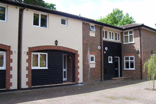 Thumbnail Flat to rent in Denbridge Road, Bickley, Bromley