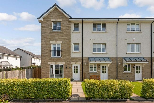 Thumbnail Town house for sale in Renfrew Court, Stirling
