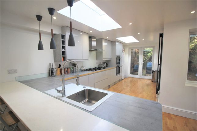 Thumbnail Terraced House To Rent In Portland Road, Bromley
