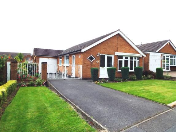 Thumbnail Bungalow for sale in Wollaton Vale, Wollaton, Nottingham, Nottinghamshire