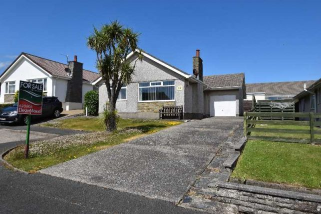 Thumbnail Bungalow for sale in King Edward Park, Onchan