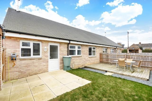 Thumbnail Bungalow for sale in Steeple Aston, Oxfordshire