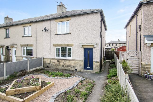 2 bed town house for sale in Holmroyd Avenue, Cross Hills BD20