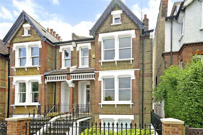 4 bed property for sale in Kirkside Road, London