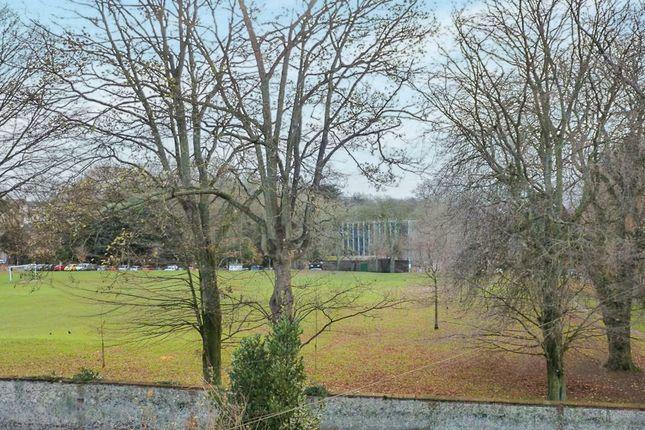 Wyndham terrace salisbury sp1 3 bedroom town house for for 1 park terrace salisbury