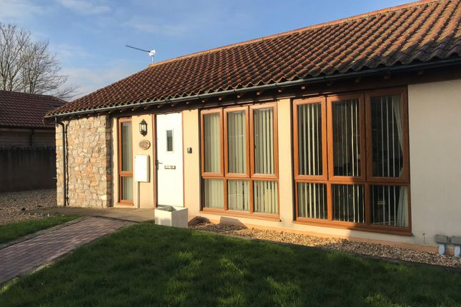 Thumbnail Cottage to rent in West Rolstone Road, Hewish, Weston-Super-Mare