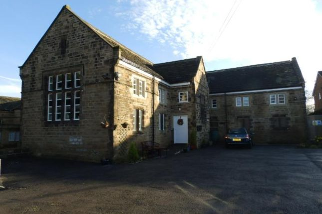 2 bed flat to rent in Combs Road, Thornhill, Dewsbury WF12