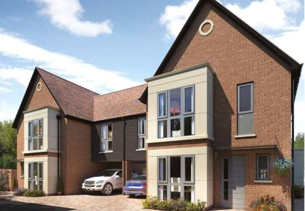 Thumbnail Link-detached house for sale in Dunstable, Bedfordshire