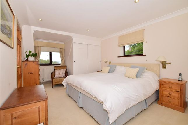 6 bed detached house for sale in Workhouse Lane, East Farleigh