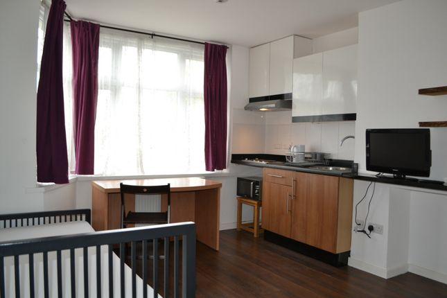 Thumbnail Studio to rent in Bacon Lane, Burnt Oak, Edgware
