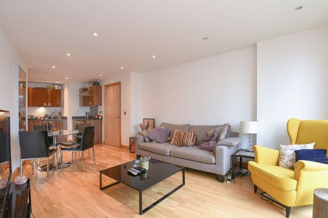 Thumbnail Flat for sale in Frances Wharf, London