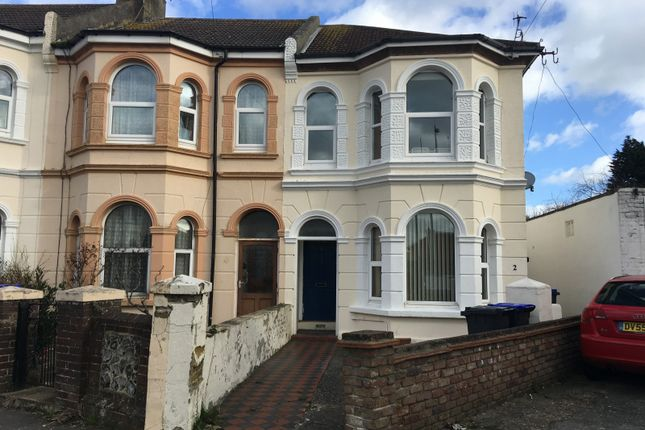 Thumbnail 1 bed flat to rent in Eastcourt Road, Broadwater, Worthing