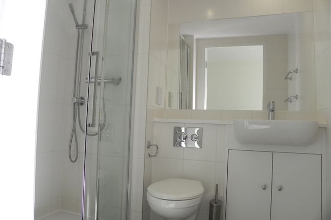 Shower Room of Queen Avenue, Dale Street, Liverpool L2