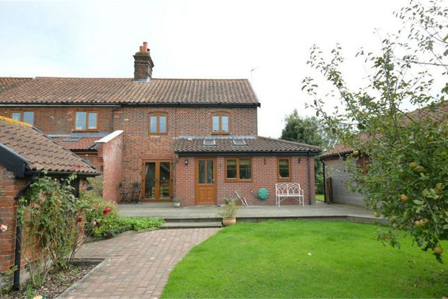 Thumbnail Cottage for sale in Lingwood Road, North Burlingham, Norwich