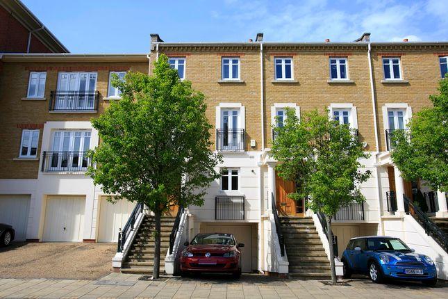 Thumbnail Town house to rent in Denton Road, East Twickenham