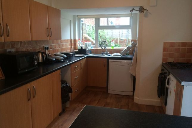 Thumbnail Terraced house to rent in St. Johns Road, Exeter