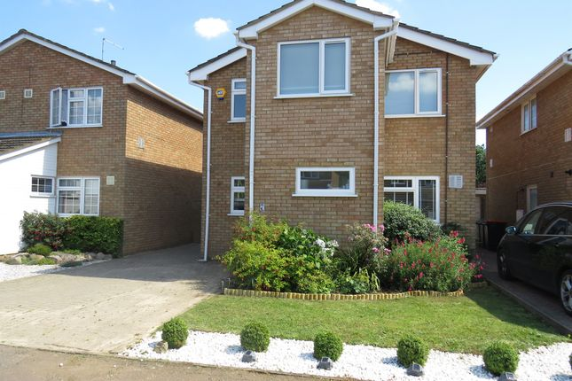 Thumbnail Detached house for sale in Claydown Way, Slip End, Luton