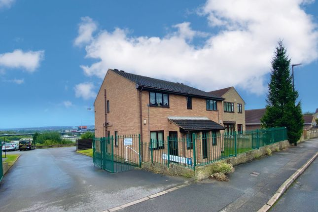 1 bed flat for sale in Aylesbury Court, Sheffield S9