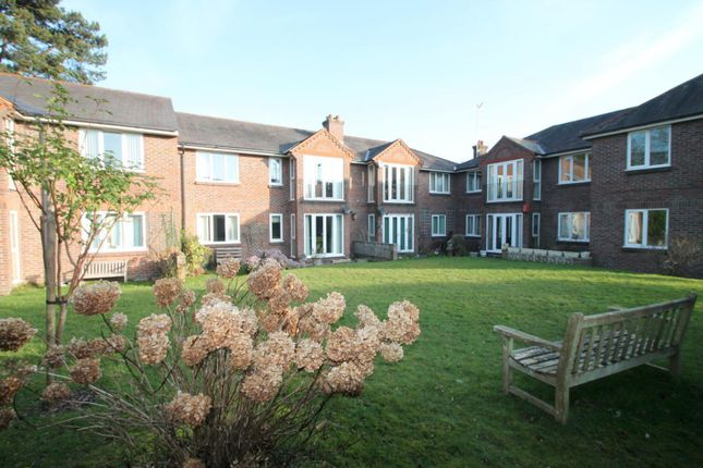 Thumbnail Flat to rent in Lewes Road, East Grinstead