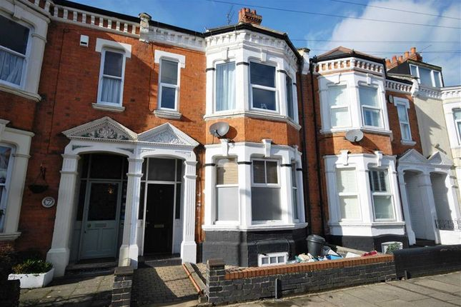 Thumbnail Flat for sale in Holly Road, Abington, Northampton