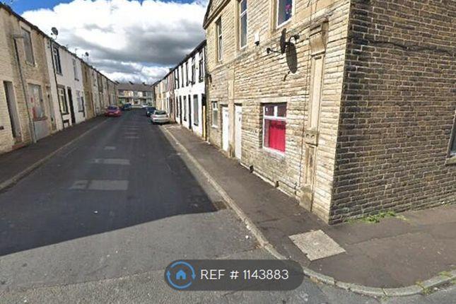2 bed flat to rent in Herbert Street, Burnley BB11