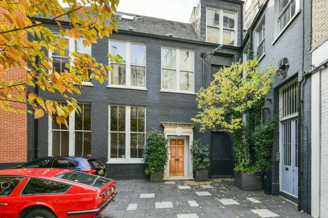 Thumbnail Terraced house for sale in Aldersgate Street, London