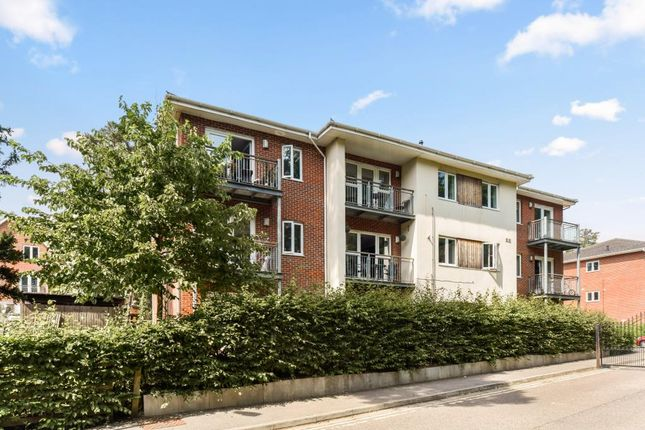 Thumbnail Flat for sale in Brook Avenue, Ascot