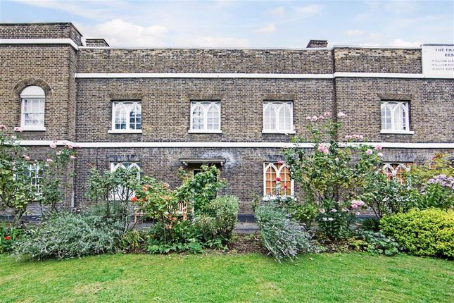 Thumbnail Terraced house for sale in Glasshill Street, London