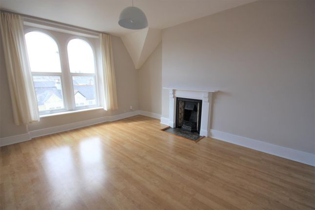 Thumbnail Flat to rent in 35 Connaught Avenue, Plymouth