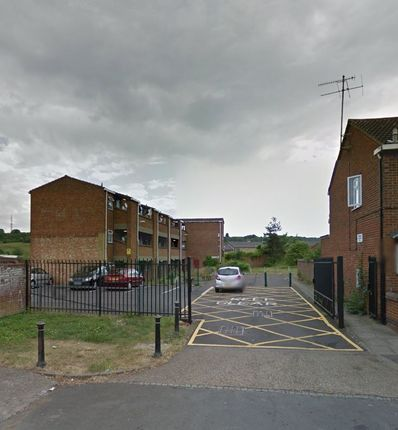 Thumbnail Flat for sale in Shaftesbury Road, Luton
