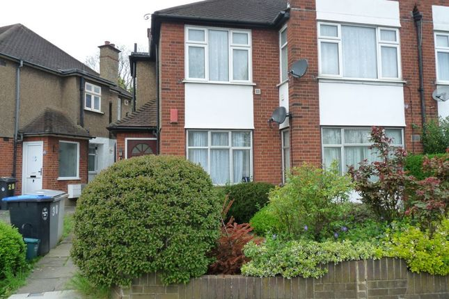 2 bed flat to rent in Windermere Court, Windermere Avenue, South Kenton