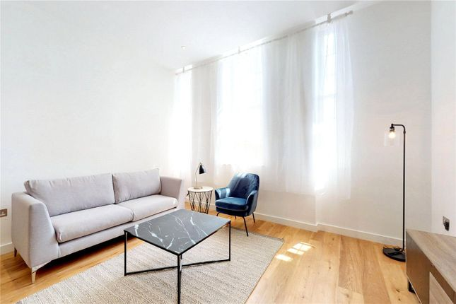 Thumbnail Flat for sale in Islington Green, London