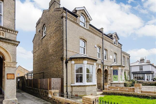 4 bedroom semi-detached house for sale in New London Road, Chelmsford