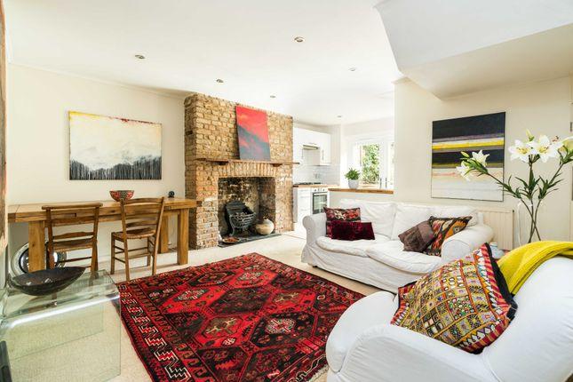 3 bed flat for sale in Eastlake Road, London SE5