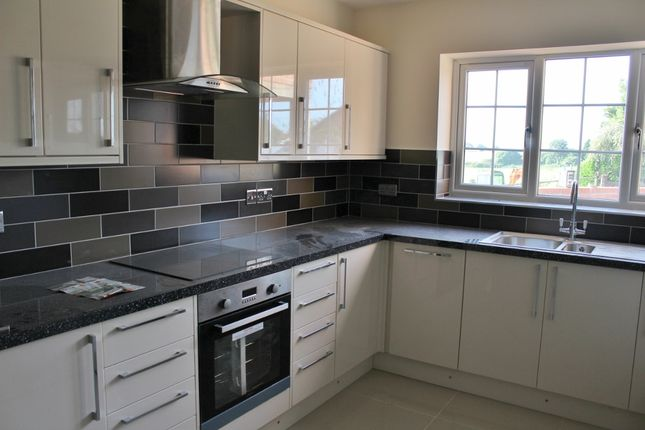 Thumbnail Detached house for sale in Houndhill Lane, Purston
