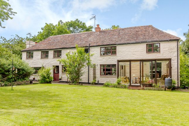 Thumbnail Country house for sale in Woodbury Lane, Worcester