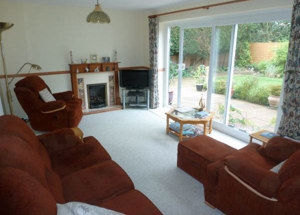 Thumbnail Link-detached house to rent in Gilmore Close, Langley, Berkshire