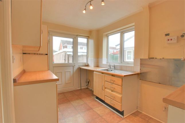 Kitchen of Lunar Drive, Bootle L30