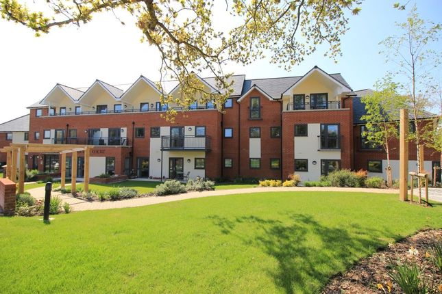 Thumbnail Flat for sale in Folland Court Hamble Lane, Hamble, Southampton